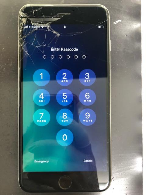 画面修理前のiPhone6sPlus