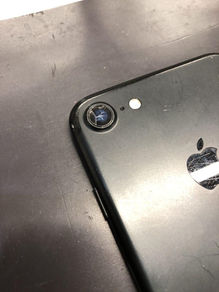 カメラレンズ修理前のiPhone7