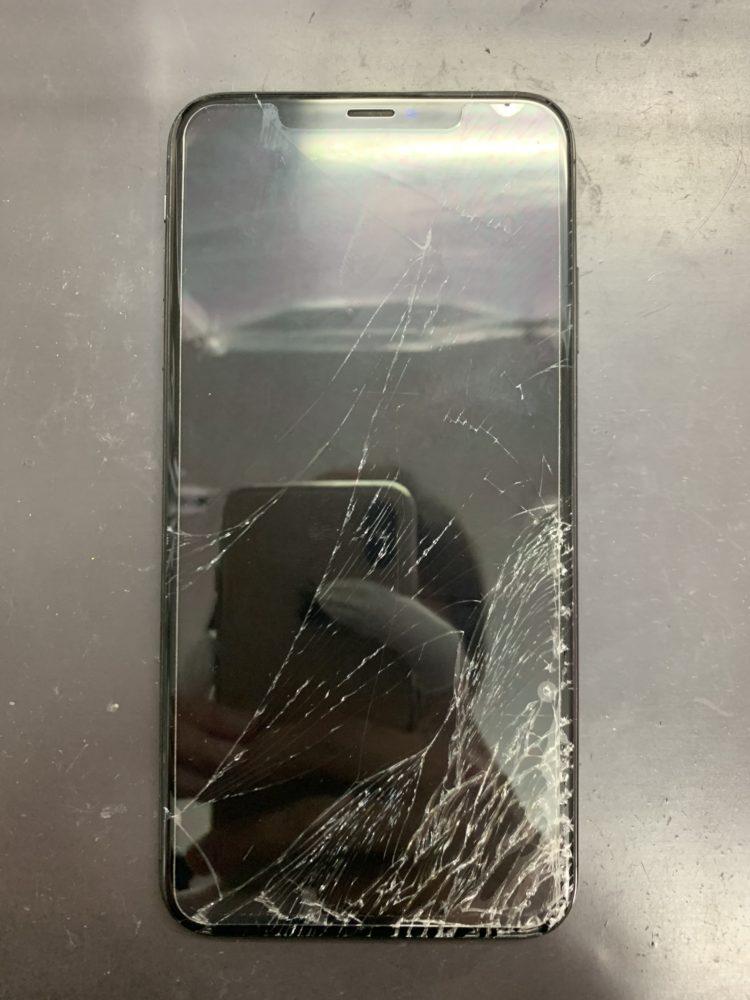 iPhoneXsMax修理前
